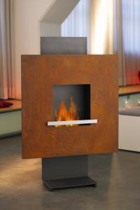 ethanolkamin carissa z z leider nicht lieferbar wandkamine h ngend kamine mit flammen aus. Black Bedroom Furniture Sets. Home Design Ideas